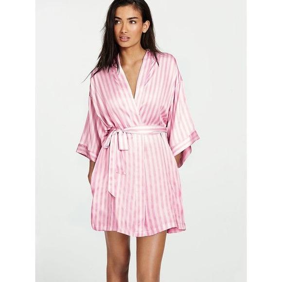 Victoria s Secret Striped Kimono robe size small. M 5a5287a085e6052f4e022671 56212885d